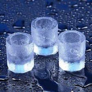 Shots glas lavet af is